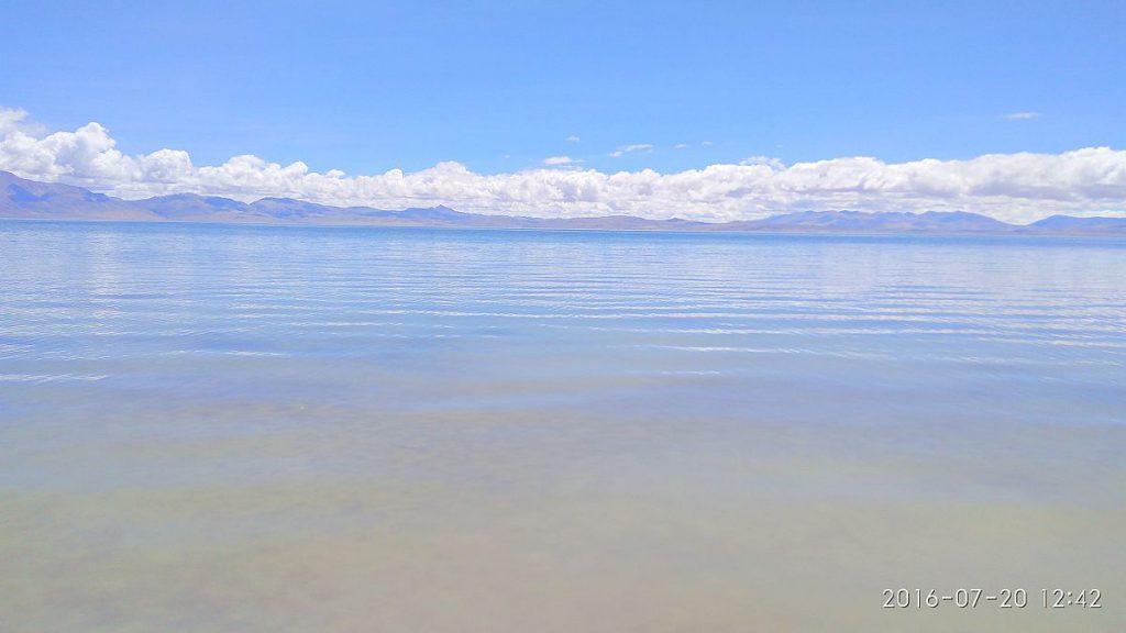 1200px-Lake_Manasa_Sarovar_01