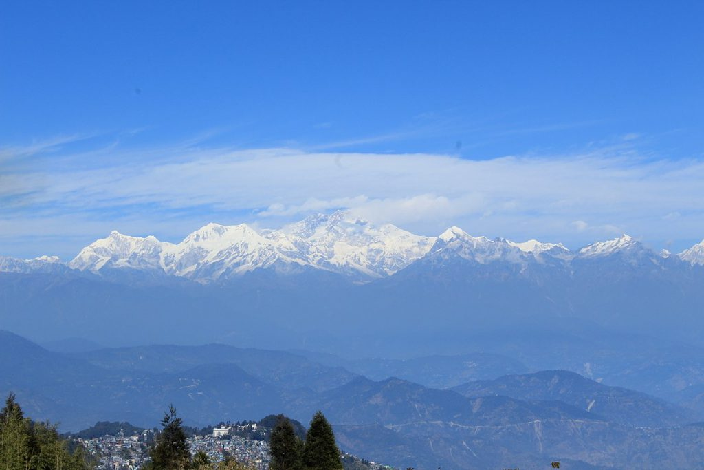 1200px-Mount_Kangchenjunga_seen_from_Tiger_Hill