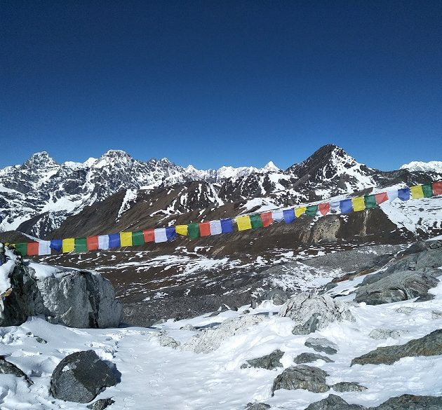 buddhist flag at everest trek