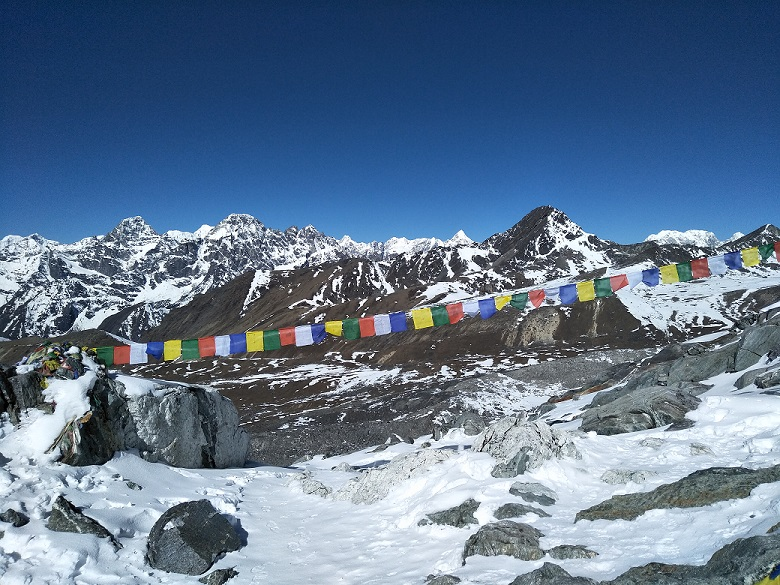 buddhist flag at everest trek