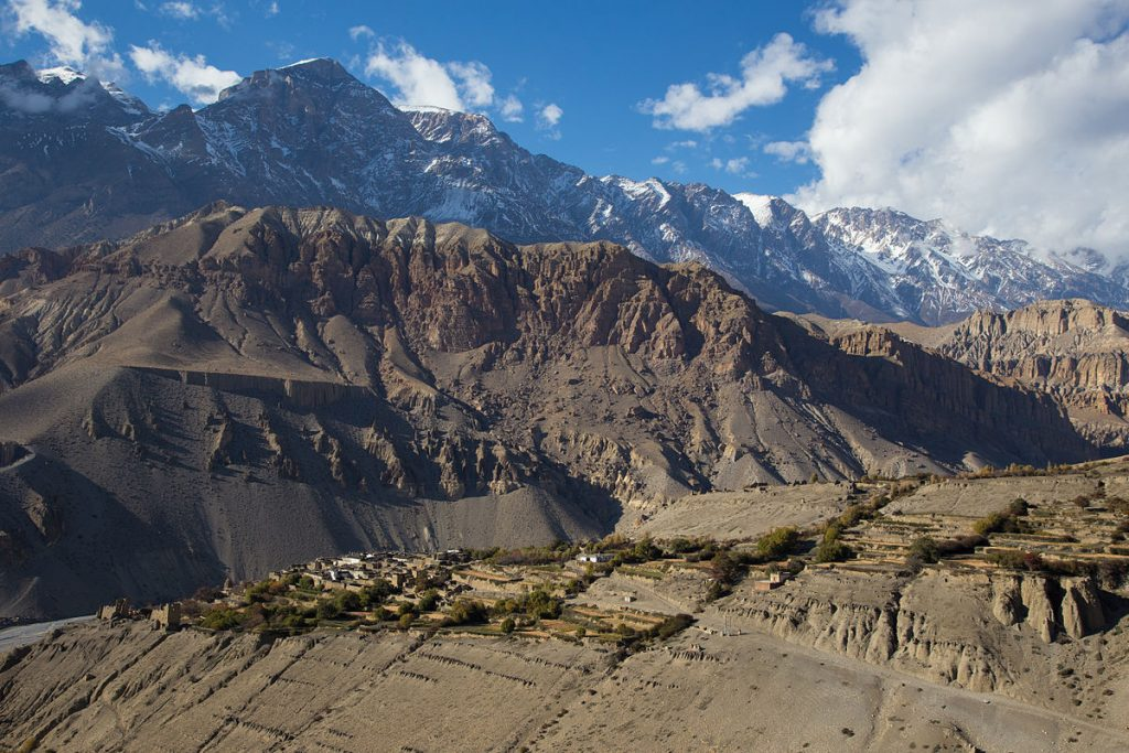 1200px-Tangbe,_Upper_Mustang